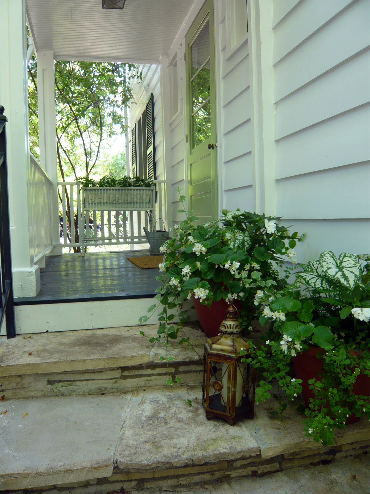 Designing Domesticity: Welcome Home: Fall Front Planters