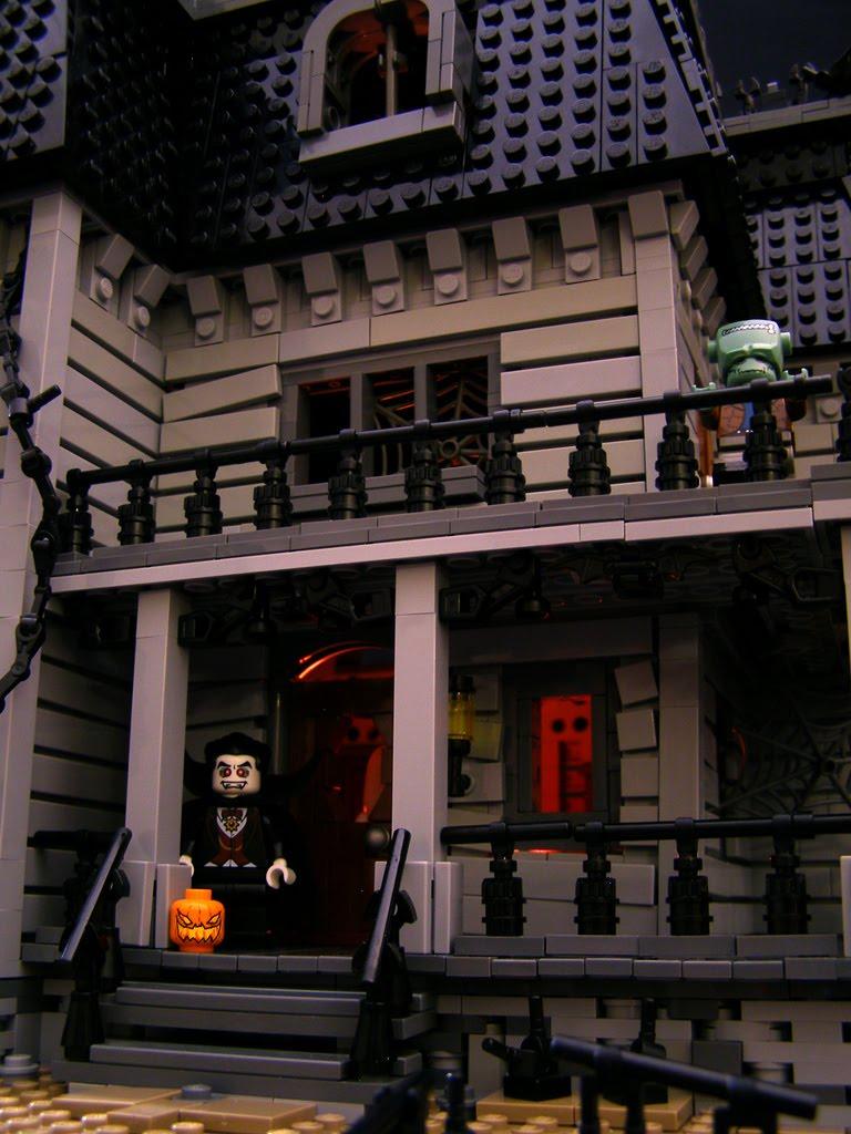 Geek Art Gallery Lego Creations Haunted Mansion