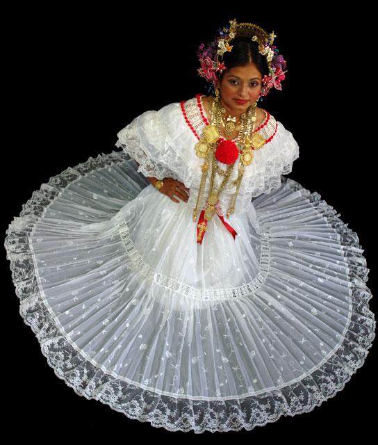 Vestido tipico de gala de la mujer panamena