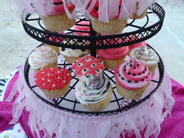 Indulge With Fancy Nancy Cupcakes