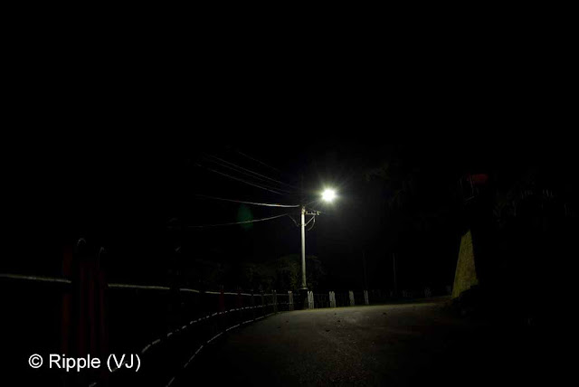 Posted by Ripple (VJ) : Shimla Night View : Street Lights on the way to Mall from Himachal Pradesh Vidhan Sabha
