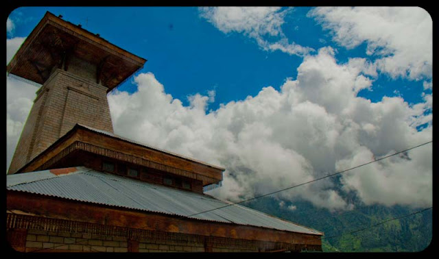 PHOTO JOURNEY through some of the main places around Manali to visit : Posted by VJ SHARMA on www.travellingcamera.com : Last week one of my office friend came to my desk and asked how is Manali.. What all I have to explore there.. and I want to spend all four days there... I serached on PHOTO JOURNEY and sent him all the relevant links.. After that I realized that I should have a post on all the places with relevant links available there... Here is the result :) : Main places to visit in Kullu, Main places to visit in Manali, Most interesting places around Kullu and Manali... I have missed few like Kasol and MalanaVery Old Manu Temple in Manali Town of Dev-Bhoomi (Himachal Pradesh) : Posted by VJ SHARMA at www.travellingcamera.com : Manu Temple is one of the main tourist attractions in Manali.. Its in Old Manali region and connected with main market through a road which passes through Manali Community Center (having some water sports in Beas...)... Here are some photographs of the place...Manu Rishi inside the Temple @ Old Manali, Himachal Pradesh... The temple is dedicated to the Indian sage Manu who is said to be the creator of the world and the writer of Manusmriti... This temple is considered as only Manu temple on earth and most of the foreigners come to see this temple... For Foreigners, this temple is must go place and other places can missed, but this can't be...Here is the first of Manu Temple on enetering Old Manali.... Most of the times its surrounded by clouds and it has amazing views of hills on other side and Beas River... There is a huge waterfall in front of this temple which can be seen from here but unapproachable because its on very high hills...Inside view of Manu Temple... Its made up of Wood and stone and marble is used for flooring... It looks amazing and most of the temples in Manali regions are made of Wood with very nice carving.... Deodar wood is considered as very good quality wood for any construction work... and its rarely available be