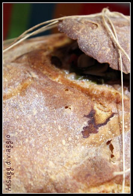 Agnellino al mirto in pane di Altamura