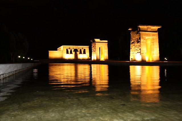 Tempio di Debod di notte-Madrid