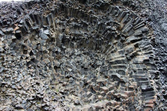 Hljodaklettar-Formazioni basaltiche