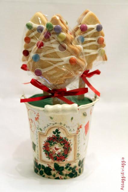 Un boschetto delizioso: biscotti natalizi su stecco