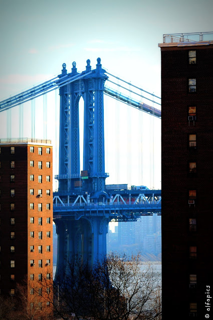 Manhattan bridge-New York