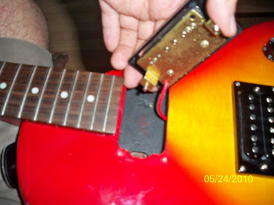 dpc diy guitar the epic re wiring of a epiphone les paul. Black Bedroom Furniture Sets. Home Design Ideas