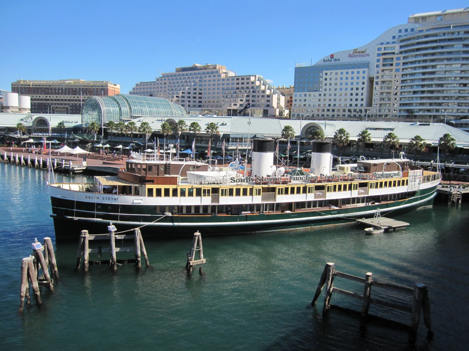 Floating Restaurant Sydney Harbour
