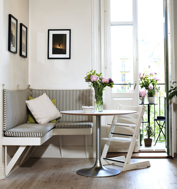 Nook Dining Room Set: Little Bits Of Lovely: The Perfect Dining Nook