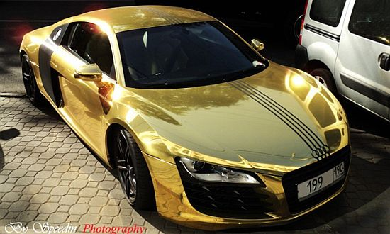 This Incredible Gold Audi R8 Was Spotted In Moscow How Much Money You Think The Owner Spent On Car There Isn T Any Information About Cost Of