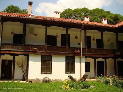 Земенски манастир-живуща част