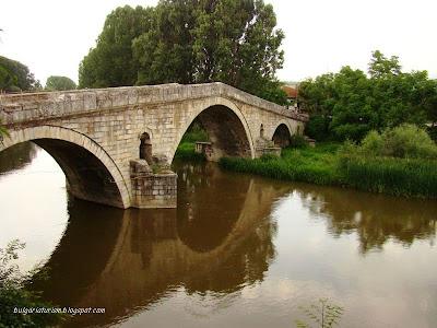 Кадин (Невестин) мост