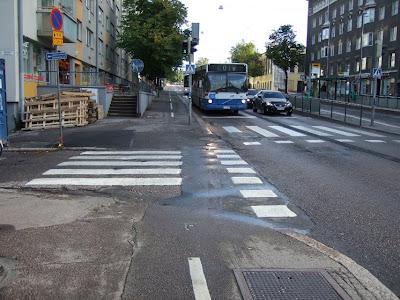 Pyöräilyä Helsingissä: Pyörätien leveys
