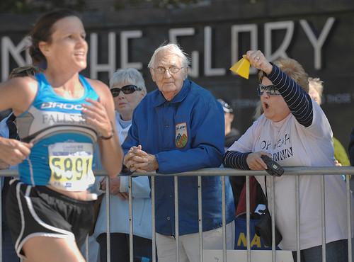 http://2.bp.blogspot.com/_YgpHa1oeHME/TUglNxKA4BI/AAAAAAAADAs/RtC2OOmfvEk/s1600/runners.jpg