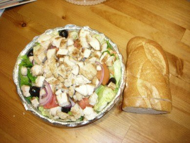 grilled chicken salad at avante pizzeria