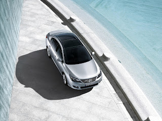 2011 Renault Latitude wallpaper and photo