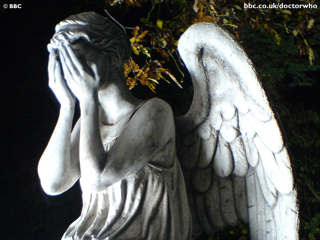 "The Pewter Wolf: Lauren Kate's ""Fallen"" and the Weeping Angels"