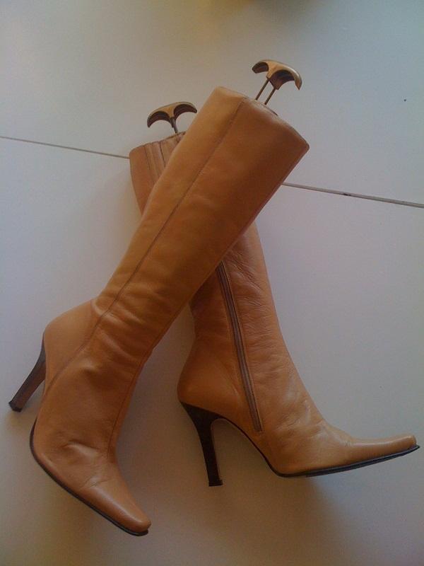104b84f6 Klackarna i Taket: Bloppis stövlar, skor till salu!