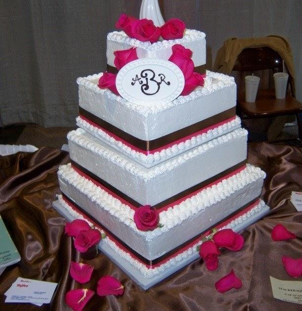 Birthday And Party Cakes: Redneck Wedding Cakes 2010