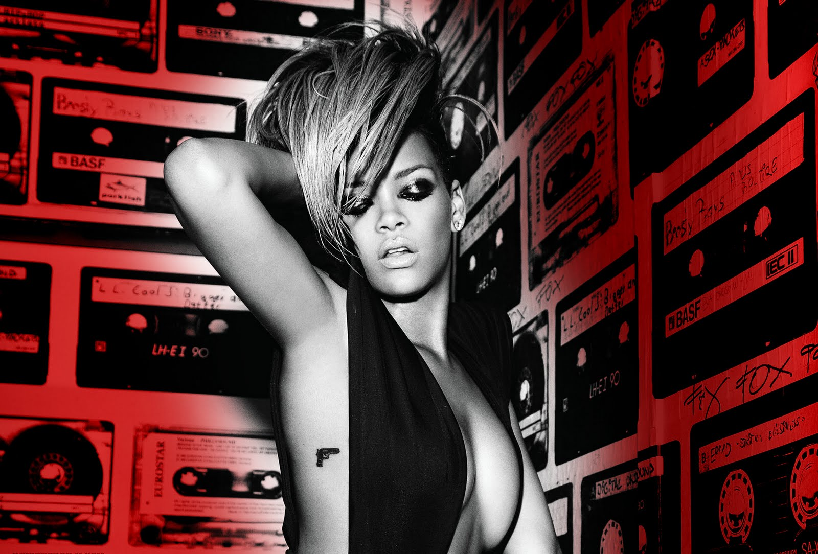 Rihanna_rated_r_wallpaper_by_lukasz1214.