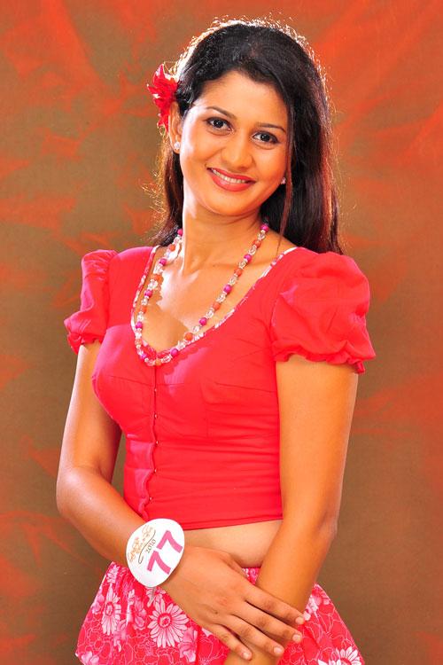 Images Udayani Nirosha Thalagala-Sri Lankan Famous