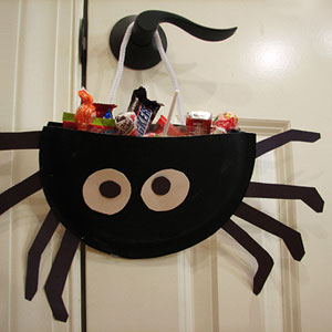Spider candy holder