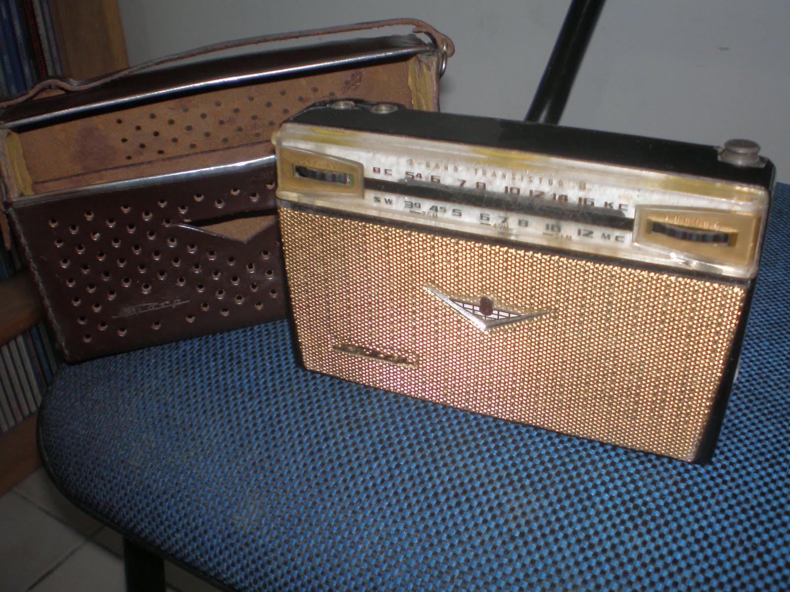 9c365ddd88d RADIO 2 FAIXAS SHARP TRANSISTOR EIGHT MODEL BX-327 ANO 1961 MADE IN JAPAN