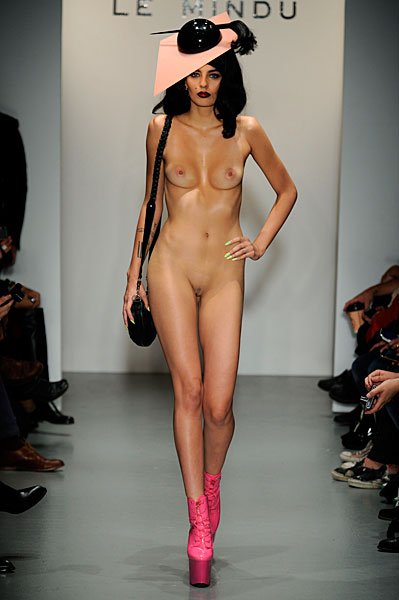 Can Girls nude at fashion show too happens:)