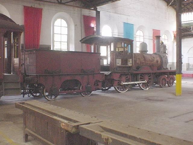 20d28218ec573 A locomotiva número 1 da Companhia Paulista nos galpóes de Jundiaí