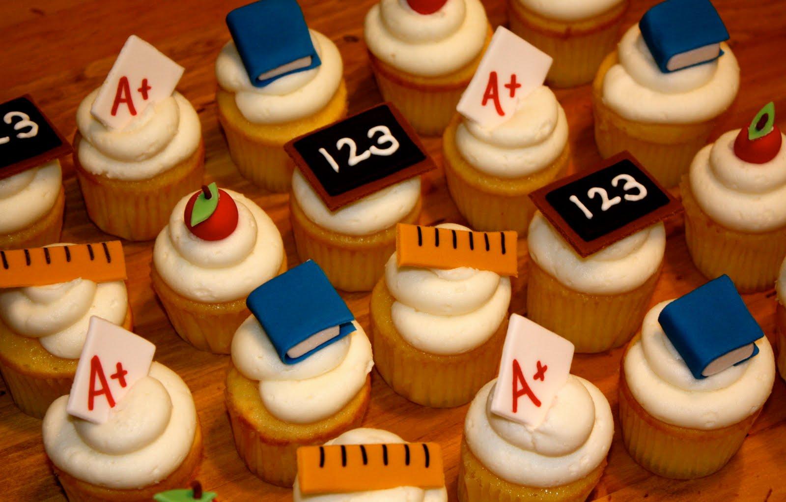 Bumble Cakes Teacher S Pet School Cupcakes