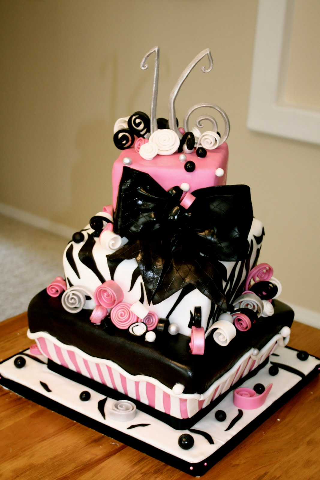Bumble Cakes: Sweet Sixteen Zebra Cake