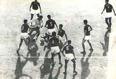 Mané Garrincha foi apenas mais um que o alcoolismo destruiu