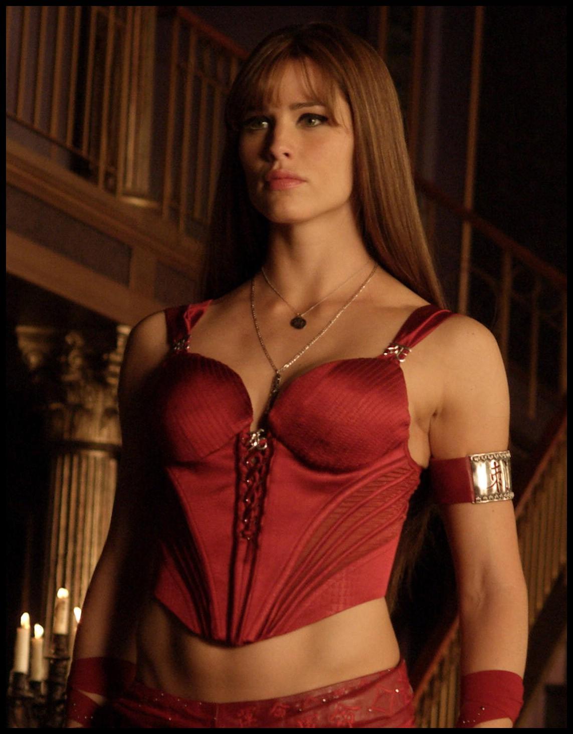 Jennifer garner elektra bikini amp cleavage scenes