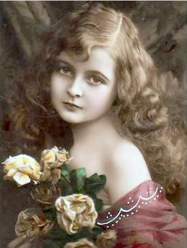 Carte postale ancienne, enfant et roses
