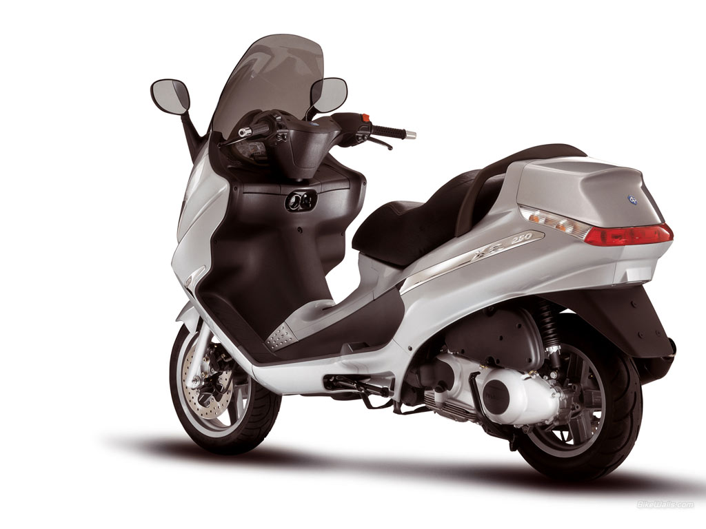 Piaggio Mp3 From Vespa Cars And Motorcycles Motorcycle Bike Review