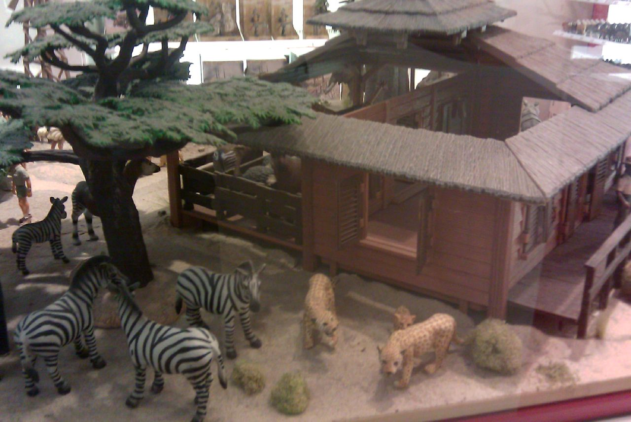 Dioramas And Clever Things Schleich Display At Fao Schwartz