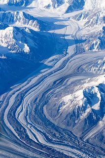 https://i1.wp.com/2.bp.blogspot.com/_Zev81onBbJc/SXOGCt12LoI/AAAAAAAAFak/sGJKVyapeoo/s320/399px-Alaska_Range_Glacier.jpg?resize=163%2C244