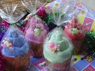Cara Membuat Souvenir Pernikahan Towel Cake Bentuk Muffin Bahan Handuk