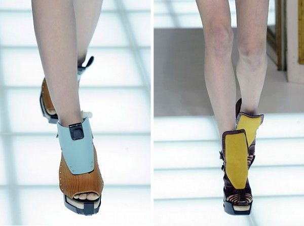 [balenciagas-fw-2010-footwear-details_3-600x446.jpg]