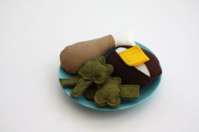 IMG 8309 - Tutorial Frango com batatas de feltro