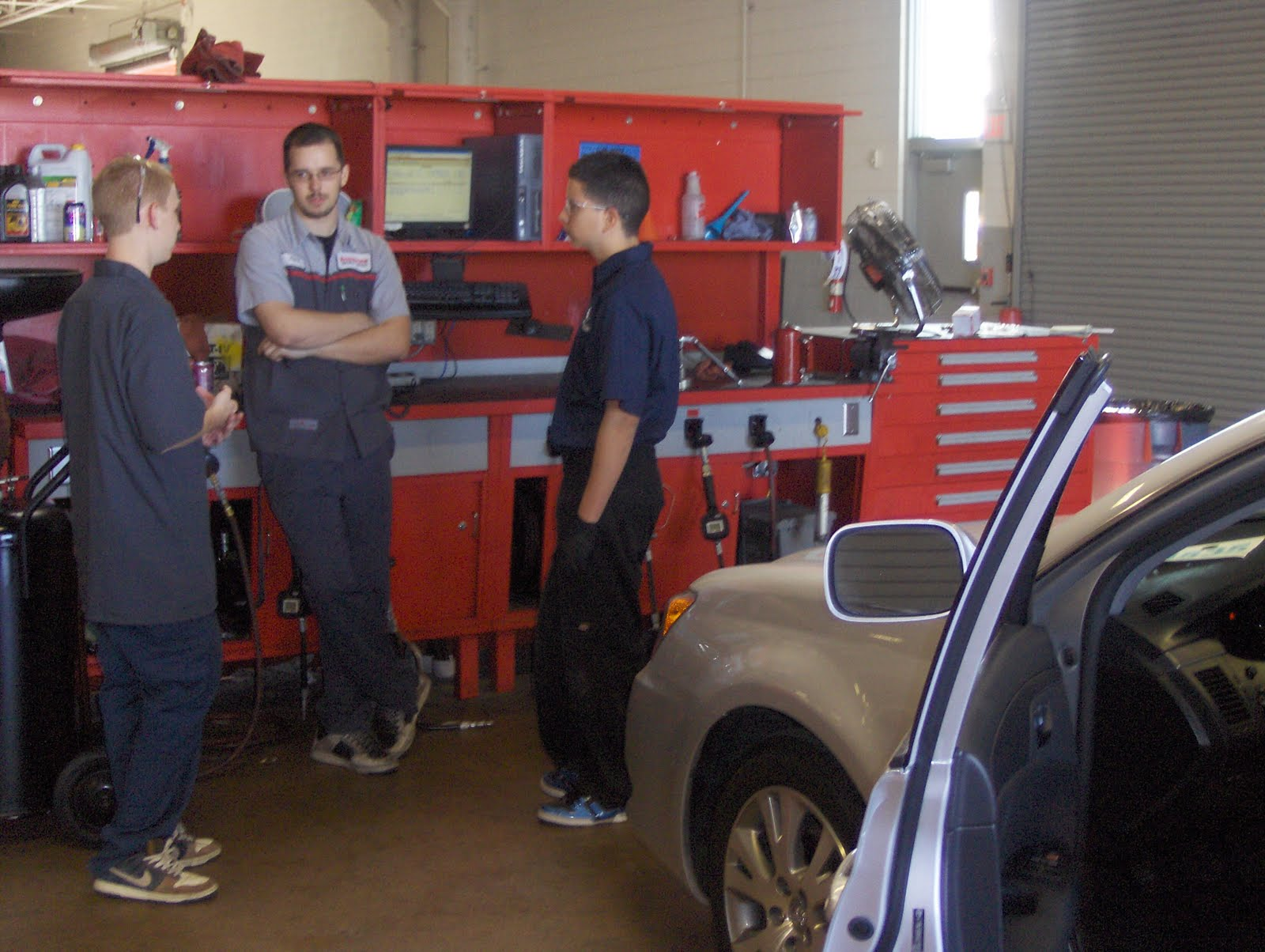 Evit News Evit Auto Students Job Shadow At Local Dealerships