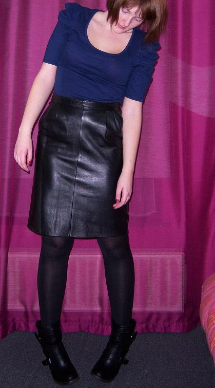 Comment porter la jupe crayon en cuir