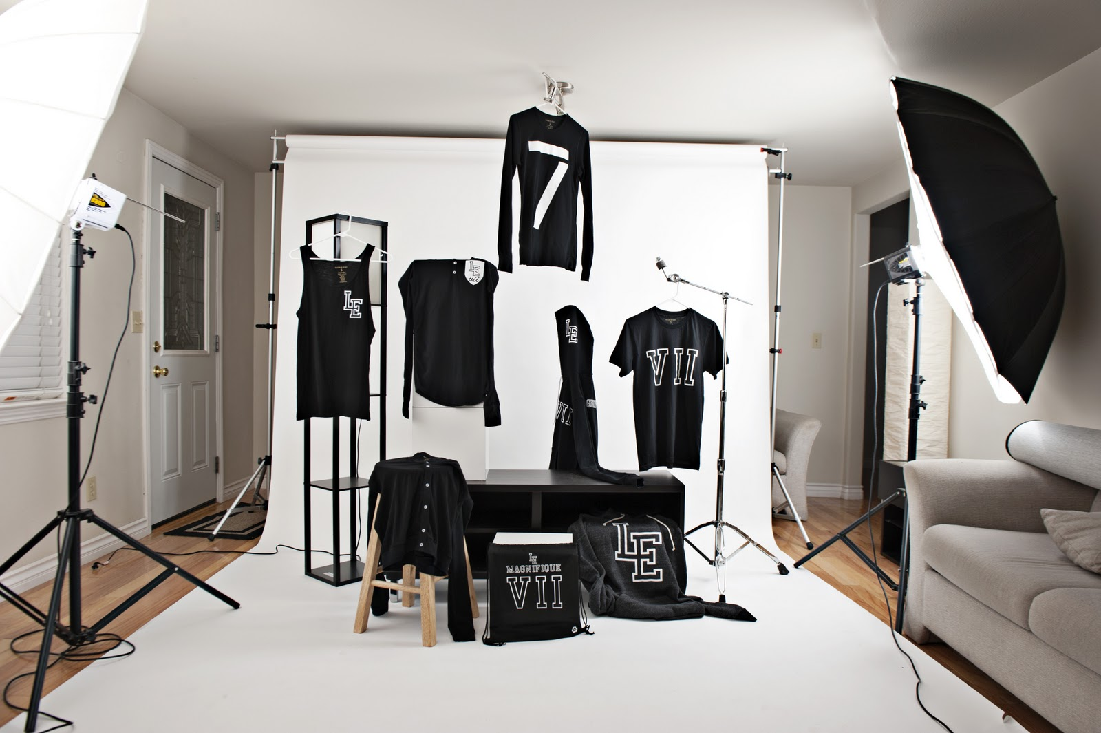 le magnifique collection releasing black friday 7am pst. Black Bedroom Furniture Sets. Home Design Ideas