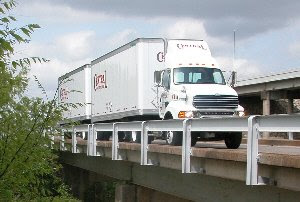 AWARDS * USA - Trucking Company Central Freight Lines Wins ...
