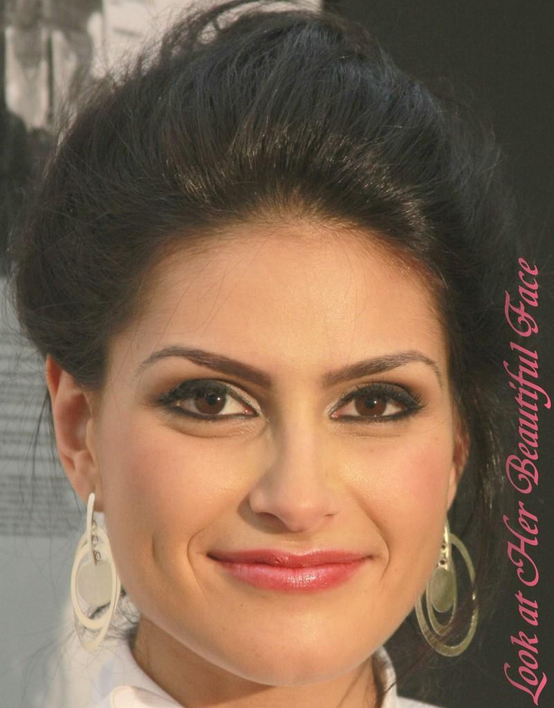 Beautiful Face Eyes Lips: Look At Her Beautiful Face: June 2010