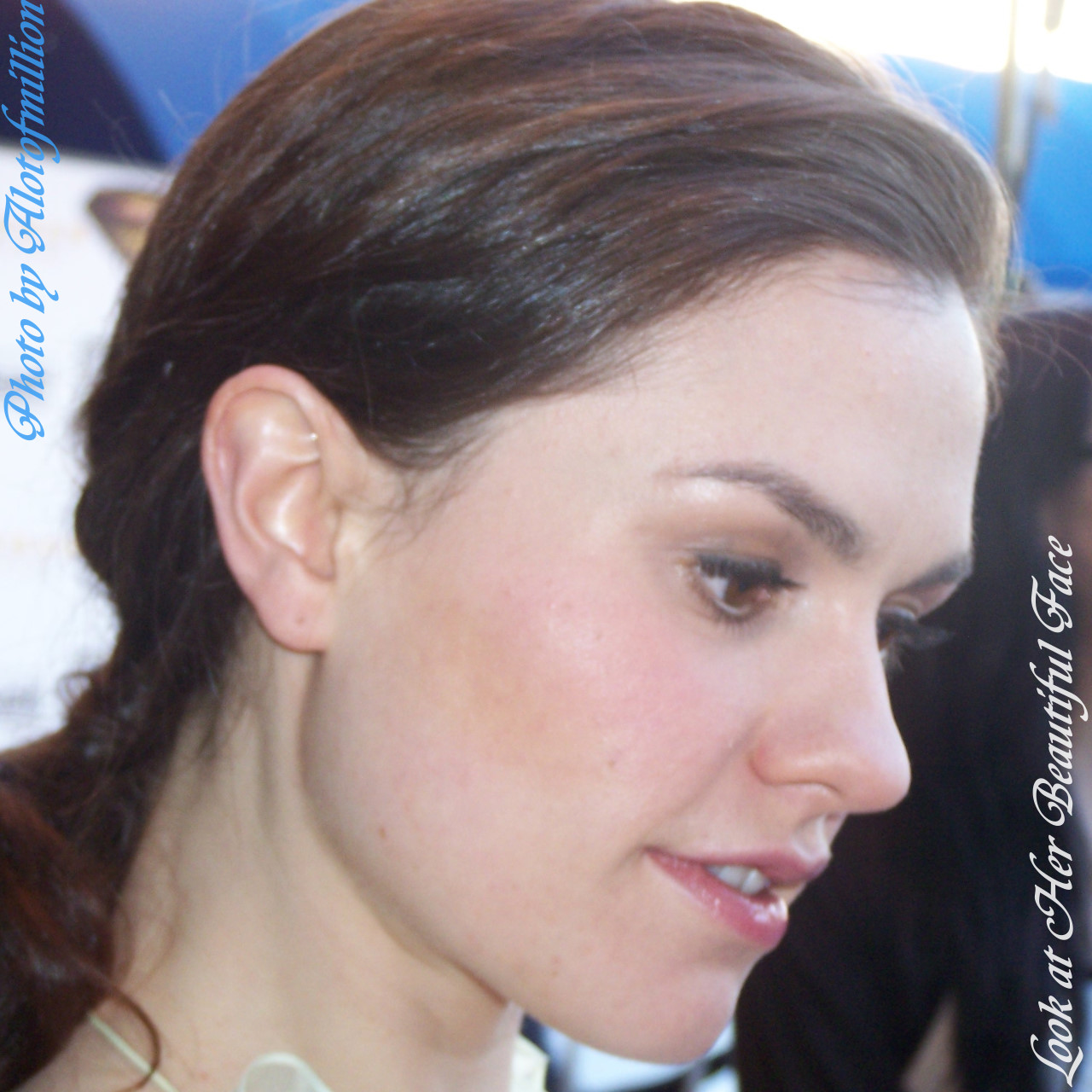 Look At Her Beautiful Face: Look At Anna Paquin Beautiful Face