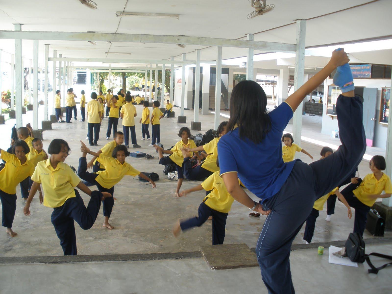 Sophonenglish Manora Dance