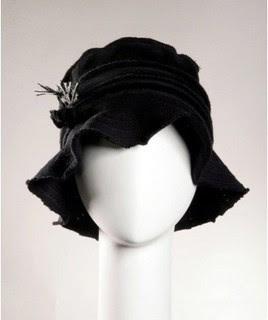 En su web encontrarás dos colecciones al año de sombreros 338942a912c
