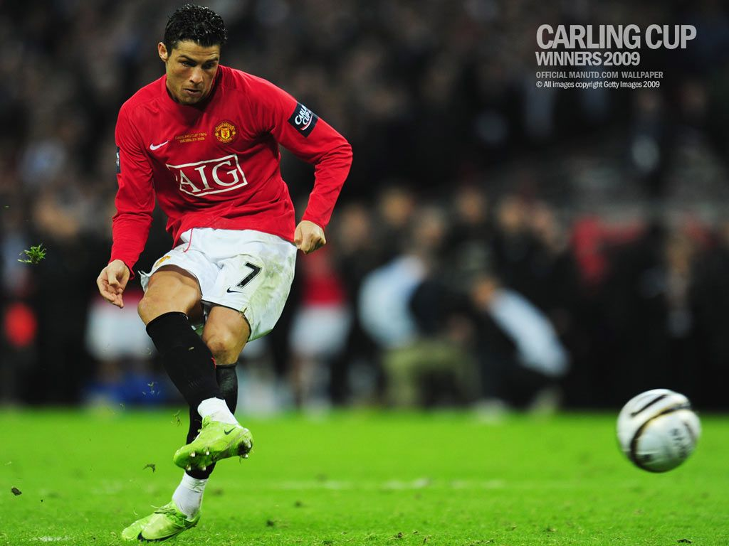 FOOTBALL PLAYERS WALLPAPERS: Cristiano Ronaldo Wallpapers